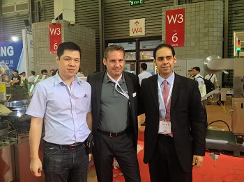 General Manager Jack Yang meets customer in CPHI 2013 in Shanghai