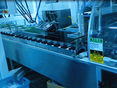 Cartoning Machine equipped delta robot in pharma